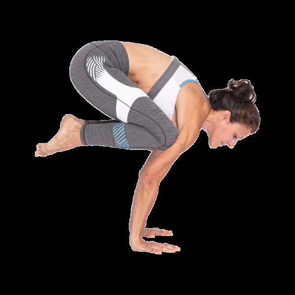 anna-pairalo-postura-practicando-yoga-zaragoza